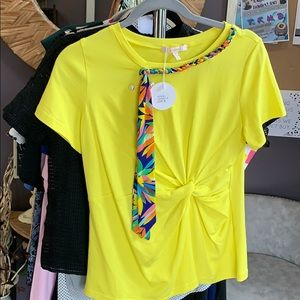 Tops - 🌟NWT Yellow Detail Top Sz M